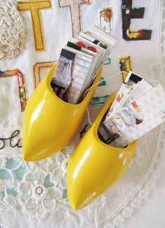 I love me some wooden shoes, don't you? Via Dottie Angel....she's so great! :)