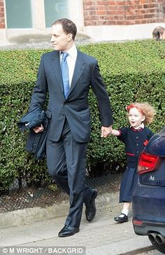 Royal Family Around the World: Prince George of Cambridge attends first day of primary school at Thomas's Battersea on September 2017 in London, England. Lord Frederick Windsor, George Of Cambridge, Elizabeth Philip, Blue Socks, House Of Windsor, Four Year Old, Prince And Princess, King George, Royals