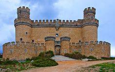 Castillos y palacios de España: castillos
