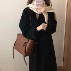 casual korean fashion looks fab Korean Winter Outfits, Korean Outfits, Fall Winter Outfits, Autumn Winter Fashion, Korean Fashion Trends, Korean Street Fashion, Casual Outfits, Fashion Outfits, Fashion Mode