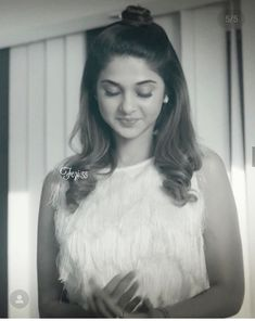 Jennifer Winget Beyhadh, Jennifer Love, Beautiful Girl Image, Beauty Queens, Maya Beyhadh, Love Her, Diva, Maya Quotes, Flower Girl Dresses