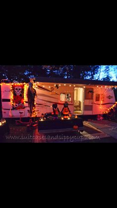 When it relates to camping out of doors, similar to anything else, there will always be some great tips and hints and camping hacks that can make the getaway a bit easier, if not also down right more fun. Halloween Camping Decorations, Spooky Decor, Halloween Party Decor, Campsite Decorating, Camper Decorating, Belle Halloween, Halloween 2018, Camping Life, Camping Gear