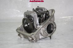 Piaggio MP3 400 Zylinderkopf  #Kopf #Nockenwelle #Ventile #Zylinderkopf Check more at https://juechener.de/shop/ersatzteile-gebraucht/piaggio/mp3/motor-kupplung-getriebe-mp3/piaggio-mp3-400-zylinderkopf/