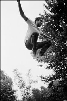 Bob Dylan on the trampoline at his Ohayo Mountain Road home, 1970.  © Elliott Landy / Magnum Photos