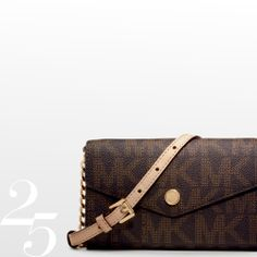 Crossbody or clutch? It's all about options #CelebrateWith pretty good!!