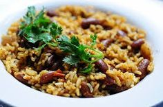 This rajma pulao recipe is a comforting one-dish creation of kidney beans in a sweet and tangy tomato-based gravy paired with soft and snowy basmati rice. This veg pulao recipe is ideal for vegetarians. Rajma Masala Recipe, Veg Pulao Recipe, Chaat Masala, Kidney Bean Curry, Beans Curry, Kidney Beans, Milk Recipes, Indian Food Recipes, Healthy Recipes
