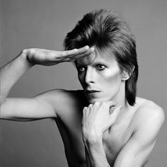 The work of photographer Masayoshi Sukita in his 2015 Bowie / Sukita: Changes - David Bowie Heroes Art Series exhibition Bowie Ziggy Stardust, David Bowie Ziggy, Bowie Heroes, Brian Duffy, Ziggy Played Guitar, Stoner Rock, Best Guitar Players, A4 Poster, The Thin White Duke