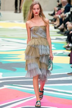 Burberry Prorsum Spring 2015 Ready-to-Wear - Collection - Gallery - Style.com