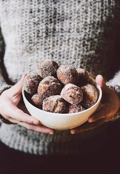 Malasadas (a.k.a. Hawaiian Donuts!) - hummingbird high | a desserts and baking blog