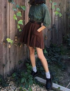 8 Grunge Outfits to shake your closet this season! - Lynn's Fashion Guide - 8 Grunge Outfits to shake your closet this season! – Lynn's Fashion Guide Best Picture For spr - Retro Outfits, Cute Casual Outfits, Vintage Outfits, Fall Outfits, Hipster Outfits, Casual Boots, Girly Outfits, Vintage Clothing, Vintage Dresses