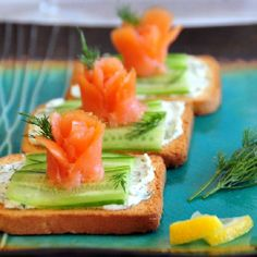 This elegant Smoked Salmon Blossom Appetizer is the perfect way to welcome Spring and keep your tummy happy!