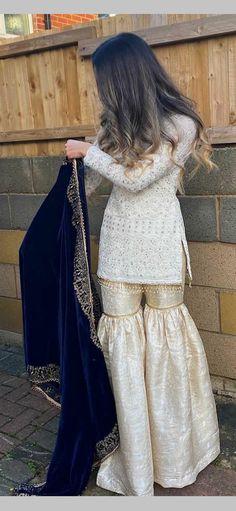 Pakistani Fancy Dresses, Desi Wedding Dresses, Pakistani Fashion Casual, Pakistani Dress Design, Pakistani Outfits, Stylish Dresses For Girls, Stylish Dress Designs, Nice Dresses, Designer Party Wear Dresses