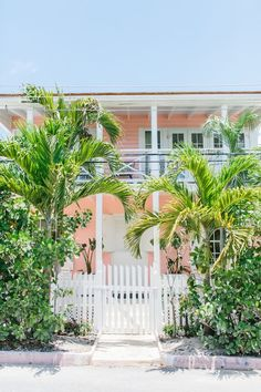 Coral House - Historic, Updated Cottage Overlooking the Harbour. Located on the corner of Bay and York streets, Coral House is a 4 bedroom, 4 and a half bat...