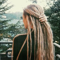 dreadlocks and side-shave Hippie Dreads, Dreads Girl, Hippie Hair, Boho Hippie, Blonde Dreadlocks, Braided Dreadlocks, Dreadlock Hairstyles, Braided Hairstyles, One Dreadlock