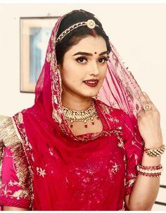 Black And Silver Eye Makeup, Indian Wedding Photography, Photography Couples, Rajasthani Dress, Bridal Nose Ring, Rajputi Dress, Indian Princess, Wedding Scene, Indian Bridal Fashion