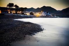 Comer, disfrutar y vivir en Cabo de Gata (como un atardecer en Las Negras)