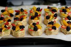 Reteta de acasa: Mini tarte cu fructe Mickey Party, Mini Cupcakes, Waffles, Biscuits, Cheesecake, Appetizers, Cookies, Breakfast, Desserts