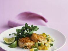 Lachsküchlein mit Mango ist ein Rezept mit frischen Zutaten aus der Kategorie Salsa. Probieren Sie dieses und weitere Rezepte von EAT SMARTER!