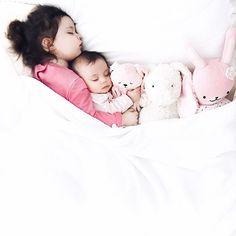 ↞ adopting adeline ↠ || snuggly sister, eleanor + baby sis, adeline
