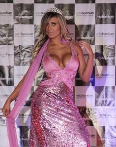 """SAO PAULO (AP) — Andressa Urach went from being a single teenage mom nicknamed """"Beanpole"""" to a reality TV bombshell in Brazil thanks to silicone implants, anabolic steroids, a nose job, and gel and botox injections, a fact she wasn't ashamed to share with fans."""