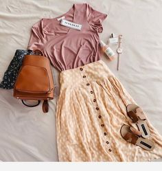 Flattering 80 Summer Skirts and Styles - Fashion & Style embroidery sweets embroidery inspiration embroidery beautiful Mode Outfits, Casual Outfits, Fashion Outfits, Womens Fashion, Girl Outfits, Fashion Tips, Look Fashion, Fashion Models, Romantic Style Fashion