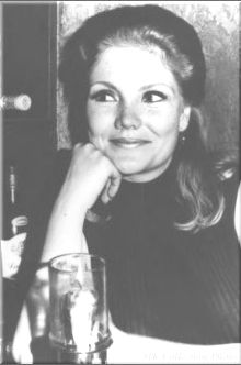 One of my favorite shots of my favorite actress, the incomparable Erika Slezak.