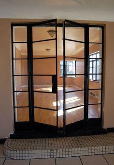 Streamline Modern house in North St. Streamline Art, Streamline Moderne, Art Deco Home, Home Art, Amsterdam School, French Windows, Window Frames, Cottage Homes, Bauhaus