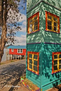 Rawene, North Island, New Zealand Copyright: Neil Rawlins Wonderful Places, Beautiful Places, Chatham Islands, Wellington New Zealand, New Zealand North, Colourful Buildings, South Island, Small Island, Color Of Life