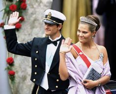 Prince Carl Philip and Crown Princess Victoria of Sweden arrives at Oslo Cathedral; wedding of Crown Prince Haakon of Norway and ms. Mette-Marit Tjessem Høiby, August 25th 2001