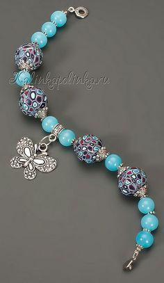 BISUTERÍA: Objetos o materiales de adorno, que imitan a la joyería, pero que no están hechos de materiales preciosos.