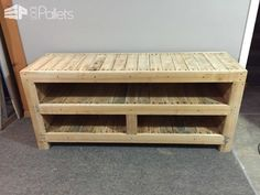 Pallet Entertainment Unit Pallet TV Stand & Rack