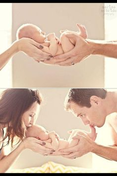 Such a beautiful photo of parents and baby!