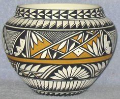 Native American Pottery(Acoma)