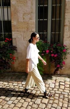 Vogavoe - Casual Lace Day People Around The World, Real People, Lace, Casual, Pants, Fashion, Moda, Trousers, Fashion Styles