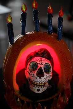 Halloween Wars: Small Scare: Dia de los Muertos by Karen Portaleo/ Highland Bakery, via Flickr