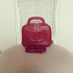 Vintage Chanel Vanity 2 Ways Handbag in Red Caviar and Gold Hardware Good Condition (size 20x15.5x9 cms) 58500 baht