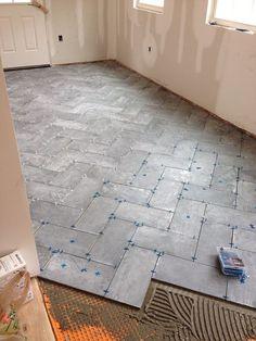 Affordable Tile Design Ideas For Your Home - Dekhgaadi Entryway Flooring, Kitchen Flooring, Tile Entryway, Kitchen Tile, Floor Design, Tile Design, House Design, Herringbone Tile Floors, Concrete Tiles