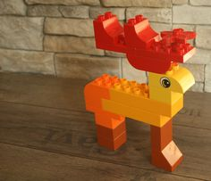 LEGO Duplo reindeer Lego Design, Lego Therapy, Lego Club, Lego Christmas, Lego Craft, Lego Blocks, Lego For Kids, Lego Worlds, Toddler Girls