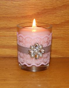 **NEW ITEM ALERT ** This set of 6 Pink and Gray Wedding Votive Candle Holders with a Rhinestone Brooch has a lovely color combination. Pink and Gray are lovely Spring Wedding or Summer Wedding colors. Pink Wedding Decorations, Birthday Decorations, Decor Wedding, Wedding Colors, Votive Candle Holders, Votive Candles, Gris Rose, Gray Weddings, Pink Grey
