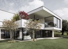 Meier Architekten Design a Luminous Contemporary Home in Uitikon, Switzerland