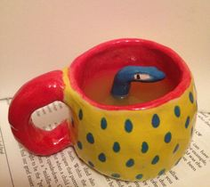 thirsty little man has a drink Ceramic Pottery, Pottery Art, Ceramic Art, Clay Art Projects, Ceramics Projects, Diy Clay, Clay Crafts, Keramik Design, How To Make Clay