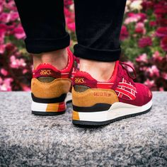 Autumn vibes from Asics  Tiger Womens Gel Lyte III Trainer. Available online & in store.