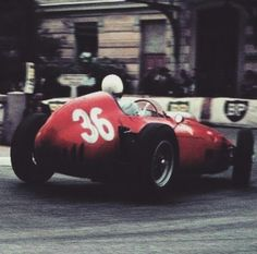#36 Phil Hill...Scuderia Ferrari...Ferrari D246...Motor Ferrari 155 V6 2.4...GP Monaco 1960