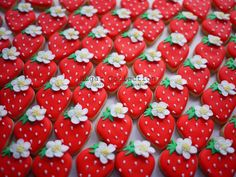 royal icing strawberry cookies