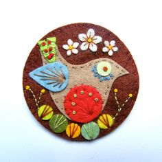 BIRDIE felt brooch pin with freeform embroidery - scandinavian style - Etsy
