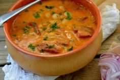 Retete de supe si ciorbe Romanian Food, Bean Soup, Soups And Stews, Thai Red Curry, Food And Drink, Ale, Yummy Food, Cooking, Healthy