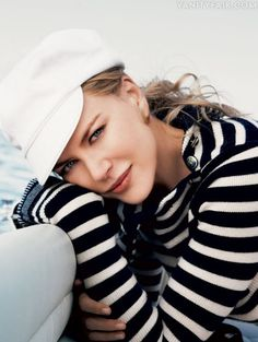 Nicole Kidman wearing timeless stripes...  Gap Supersoft Striped Turtleneck (http://www.gap.com/browse/product.do?cid=17083=1=245388002)