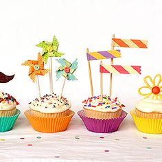 Easy ways to make trendy cupcake toppers.