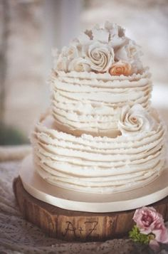 Really Beautiful Shabby Chic Wedding Cakes   Time for the Holidays