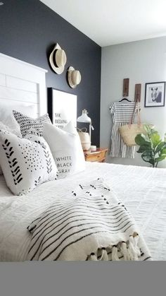 Grey Accent Wall Bedroom 41 the Key to Successful Dark Accent Wall Bedroom Grey Gray Dark Gray Bedroom, Gray Bedroom Walls, Accent Walls In Living Room, Accent Wall Bedroom, Grey Room, Bedroom Colors, Home Decor Bedroom, Grey Walls, Bedroom Furniture